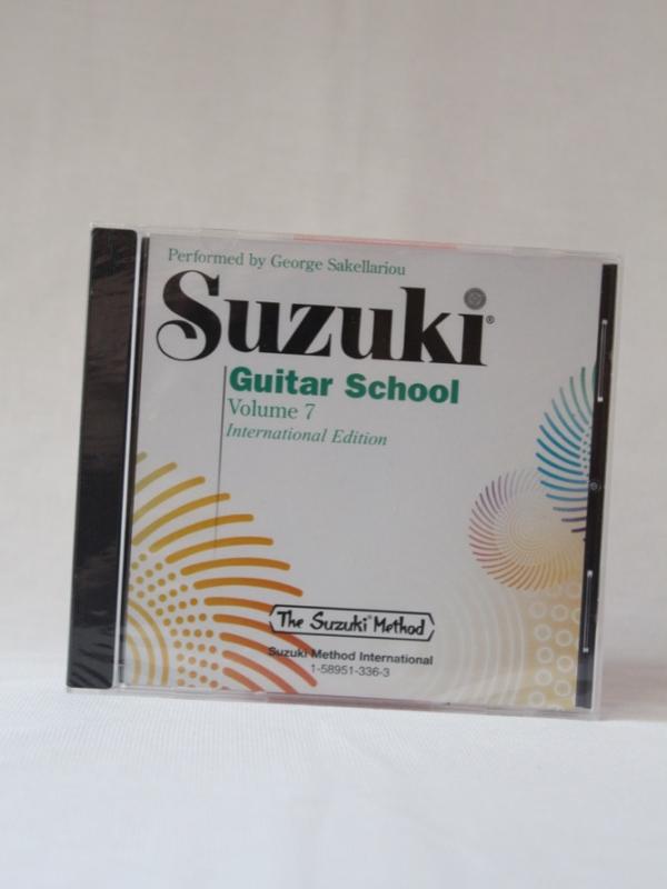 Suzuki_guitar_CD7_A