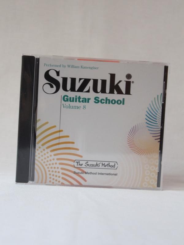 Suzuki_guitar_CD8_A